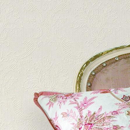 这款暗纹压花的墙纸,采用欧式古典花型